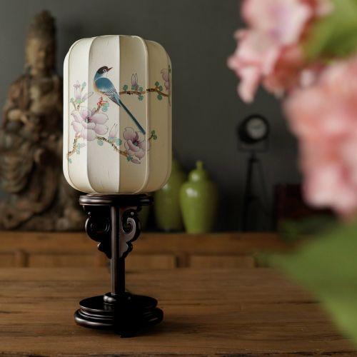 Настольная лампа на ножке Весна