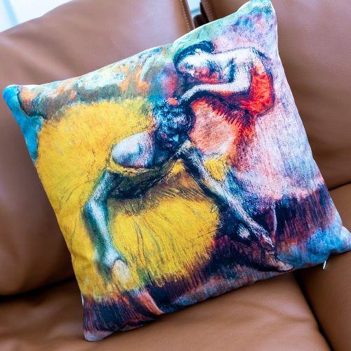 Арт-подушка «Балерины в жёлтом и розовом»