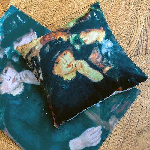 Арт-подушка «Девушки в черном»