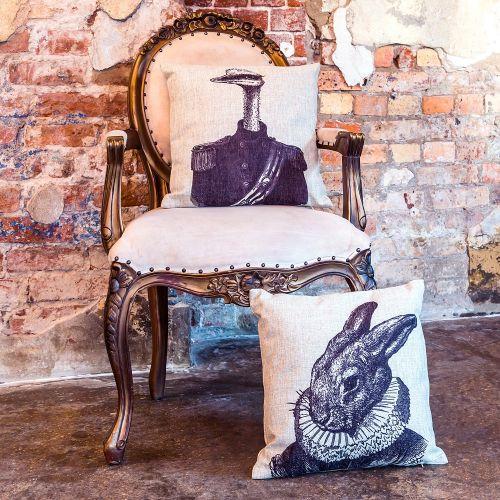 Интерьерная подушка «Старинная гравюра», версия 22