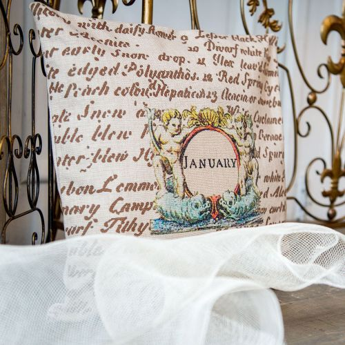 Декоративная подушка «12 месяцев цветения», версия Январь