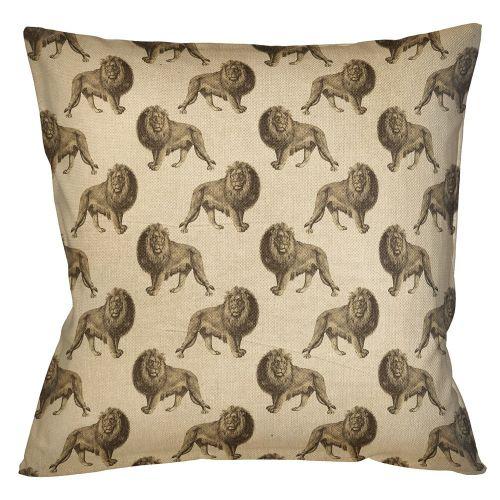 Интерьерная подушка «Группа львов в бежевом»